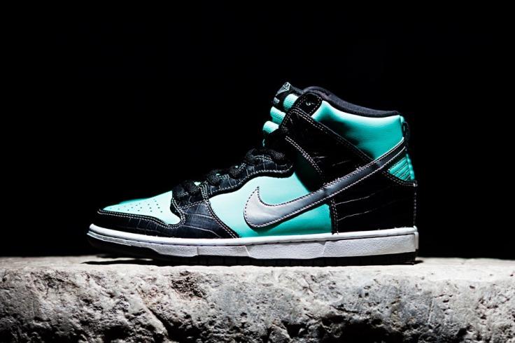 Nike-SB-Diamond-Dunk-Hi-Tiffany-01