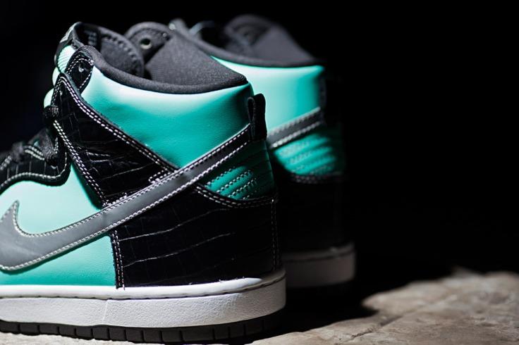 Nike-SB-Diamond-Dunk-Hi-Tiffany-02